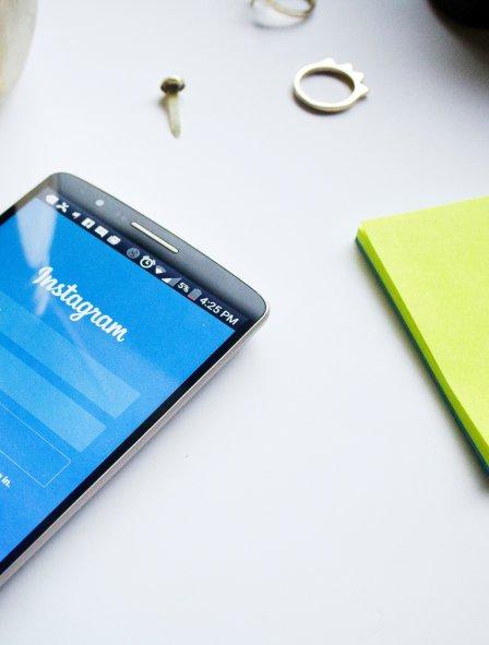 instagram-on-smartphone-createherstock
